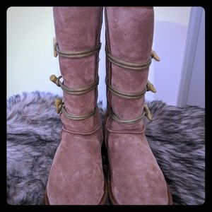 Emu wool toggle boots- sz 6